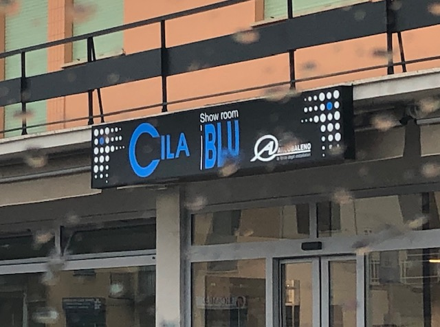 Insegna Show Room Cila Blu